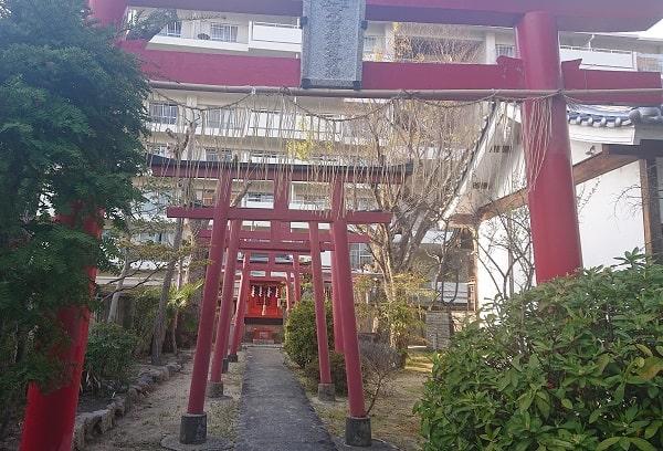 稲荷神社の摂末社