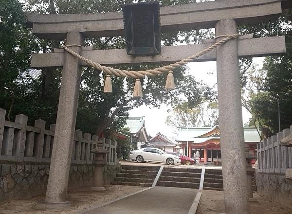 亀之森住吉神社の鳥居
