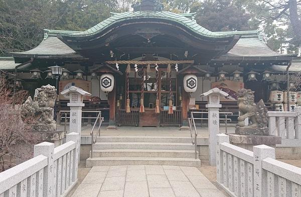 芦屋神社の拝殿