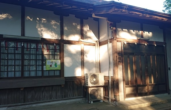 伊居太神社の社務所