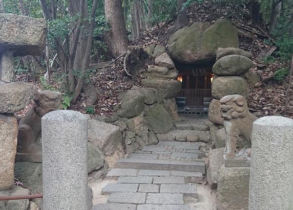 芦屋神社の古墳