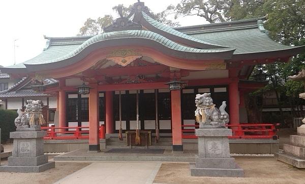 亀之森住吉神社の拝殿