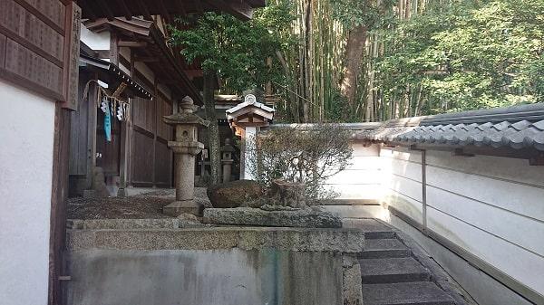五社神社の境内