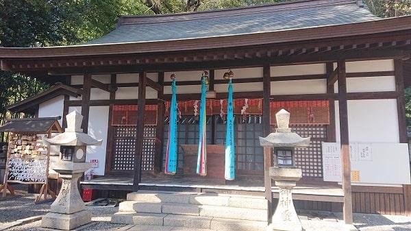 池田市の五社神社の拝殿