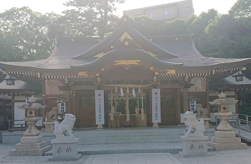 伊和志津神社の拝殿