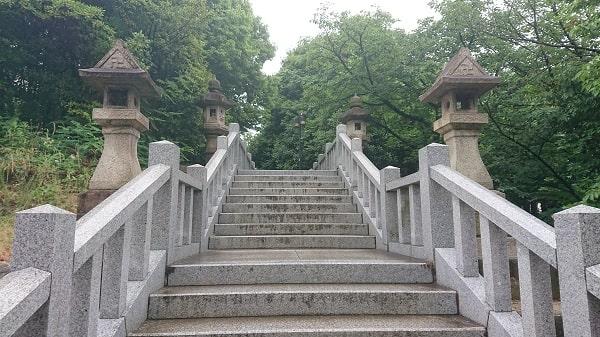 伊和志津神社の階段
