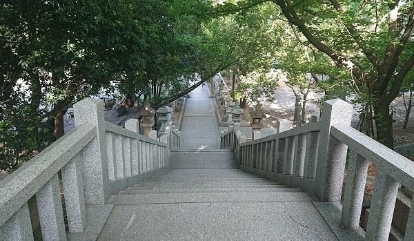 伊和志津神社の石段