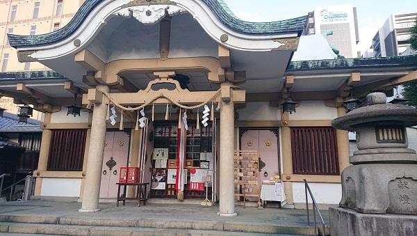 綱敷天神社の拝殿