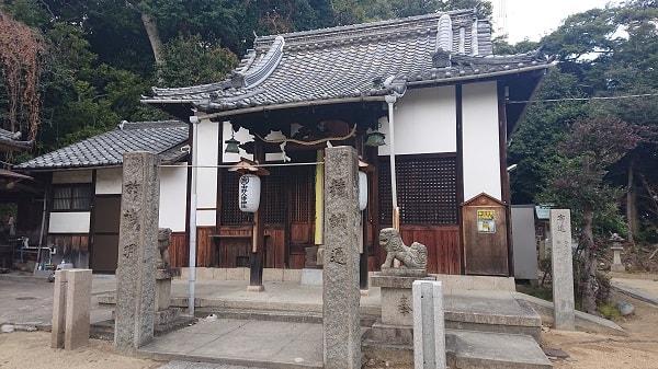 中野八幡神社の拝殿