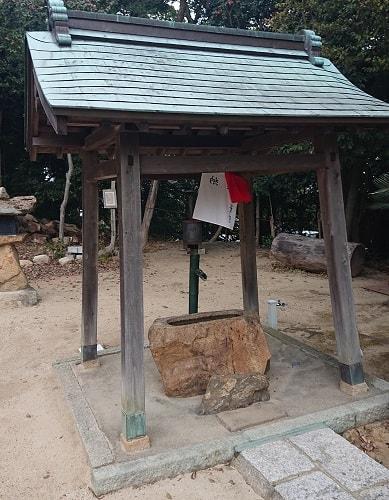 中野八幡神社の手水舎