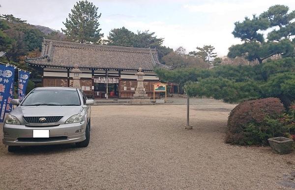 森稲荷神社の境内
