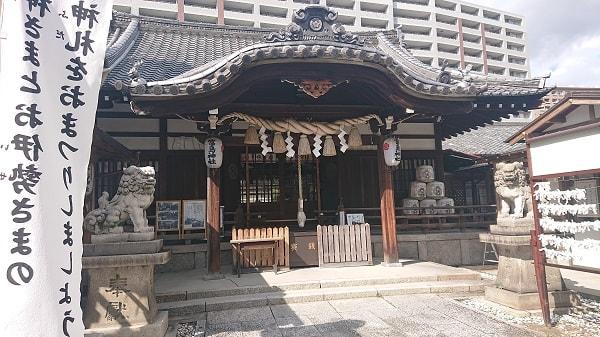 富島神社の拝殿