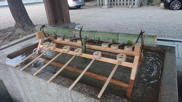 西宮神社の手水舎