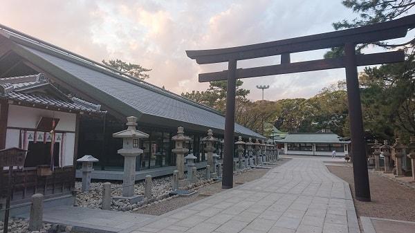 夕方の西宮神社