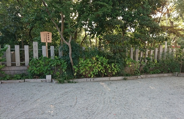 東天神社の駐車場
