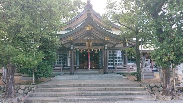 東天神社の拝殿